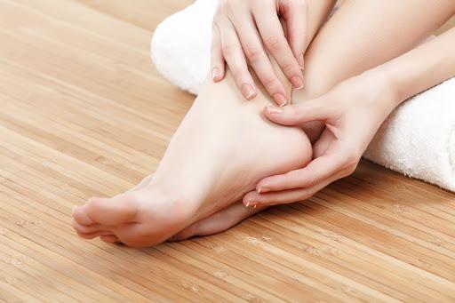 5 dấu hiệu ở bàn chân cho thấy cơ thể đang đang mắc trọng bệnh - phunuduongthoi.vn - 01