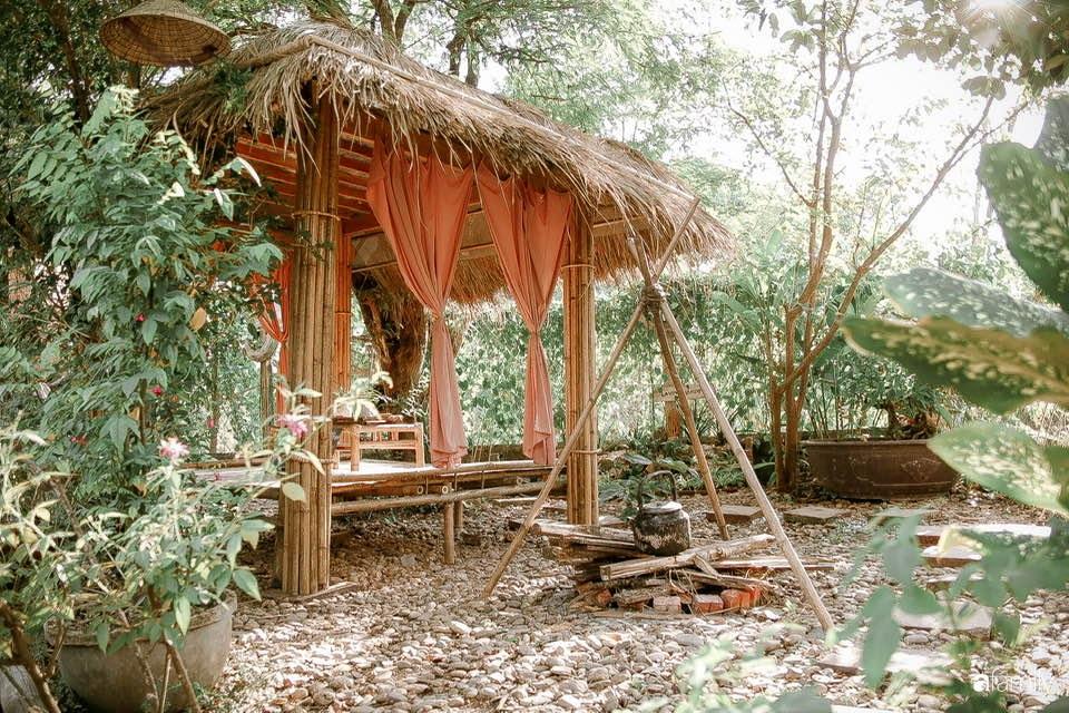 Nhà vườn dân dã, yên bình xứ Huế - Ảnh 1.