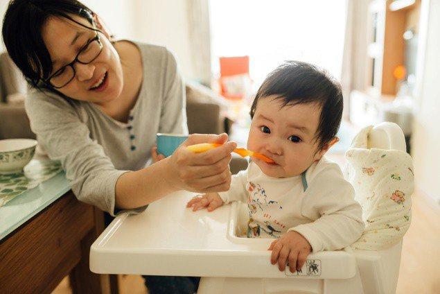 Trẻ uống sữa trước hay ăn sáng trước mới tốt, thứ tự này bố mẹ tuyệt đối đừng nhầm lẫn - 1