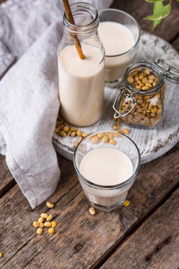 5 dấu hiệu bất thường cho thấy nội tiết tố estrogen của con gái đang suy giảm và 3 loại thực phẩm giúp cải thiện điều này - Ảnh 3.