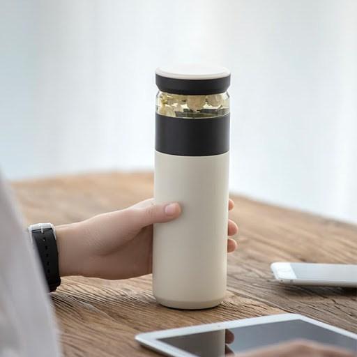 Dù cốc giữ nhiệt bẩn đến đâu, chỉ cần một mẹo nhỏ tất cả cặn trà đều sẽ trôi sạch - 1