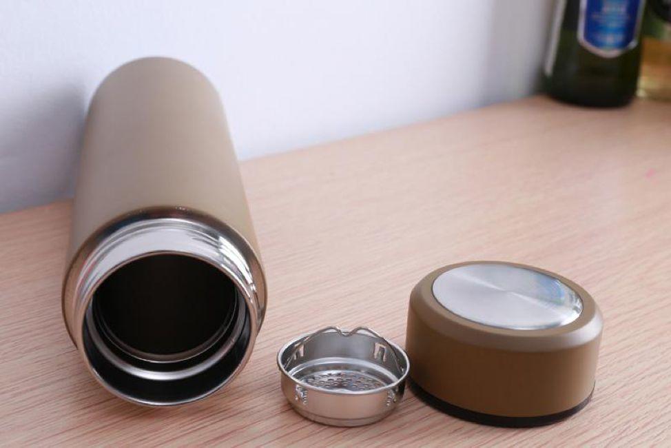 Dù cốc giữ nhiệt bẩn đến đâu, chỉ cần một mẹo nhỏ tất cả cặn trà đều sẽ trôi sạch - 6