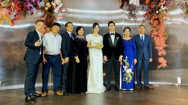 Hôn lễ của Công Phượng Bảo mật bậc nhất với lời nhắn nhủ nhẹ nhưng đầy sức nặng trong đám cưới - phunuduongthoi.vn  - Ảnh 1.