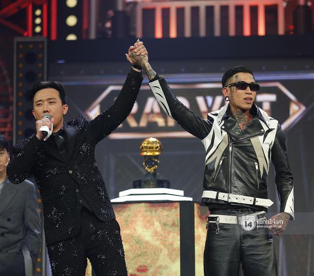 Dế Choắt (Rap Việt) nhận ít hơn ICD (King Of Rap) nửa tỷ tiền mặt, còn các giải thưởng khác thì sao? - Ảnh 1.