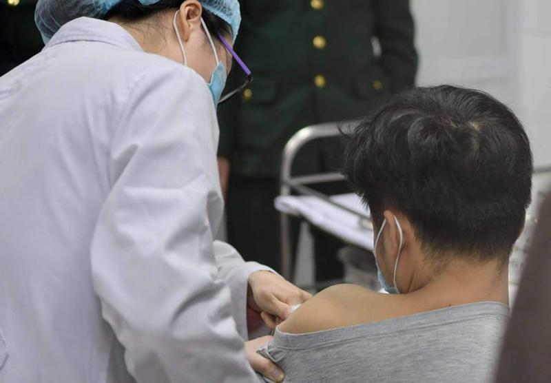 11 nhóm người được ưu tiên tiêm vaccine Covid-19 đầu tiên ở Việt Nam