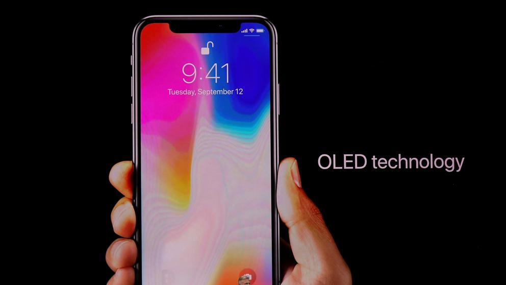 """Samsung bị đá khỏi vị thế """"độc quyền"""" cung ứng tấm nền OLED cho Apple"""